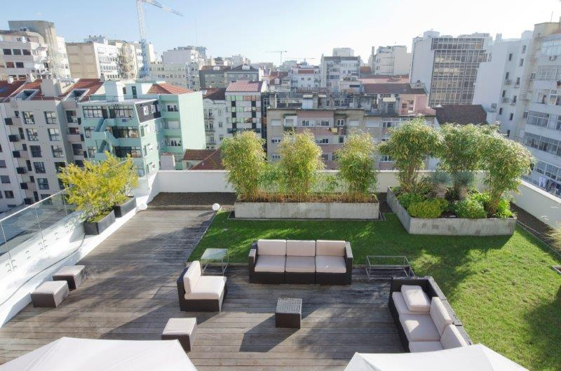 Additional photo for property listing at LUXURY 4 BEDROOM APARTMENT WITH GARDEN IN THE CENT Lisboa, Portugal