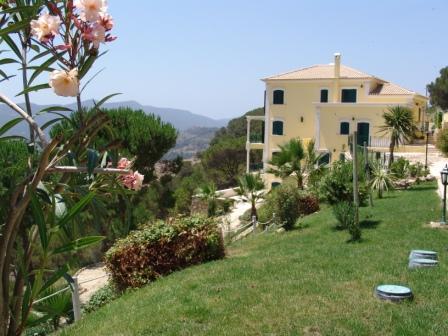 Villas / Maisons de ville pour l Vente à Dream property with a superb view! Located in the Palmela, Portugal