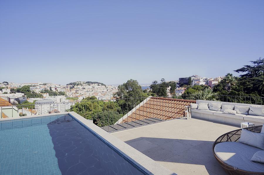 PF09825, Duplex T4, Lisboa