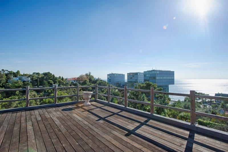 Additional photo for property listing at Villa with a sea view over the Marina and Cascais Cascais, Portugal