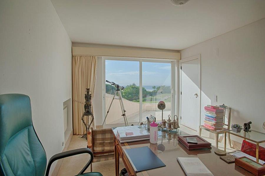 Additional photo for property listing at Fantastic villa in a prime location overlooking th Cascais, Portugal