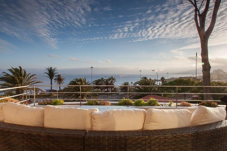 Appartementen voor Verkoop een t Excellent penthouse apartment with a prime sea and Cascais, Portugal