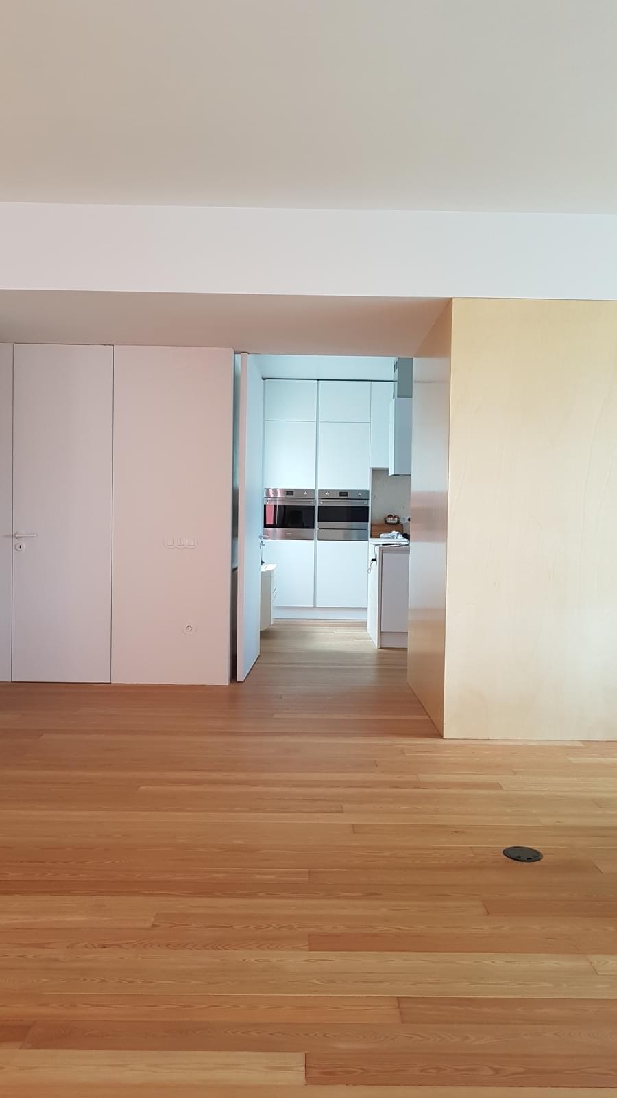 PF11872, Apartment T4, LISBOA