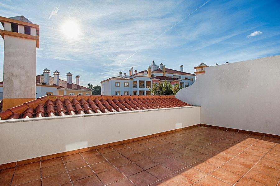 PF12386, Moradia T4 + 1, Sintra