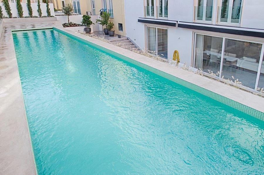 Apartamento T4 com piscina
