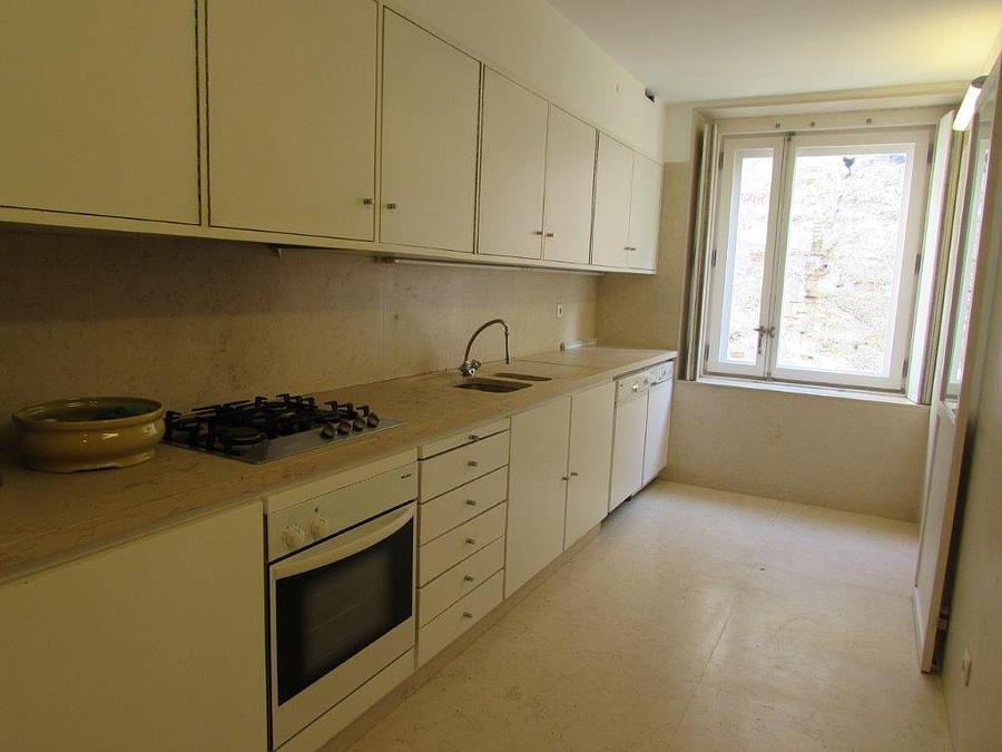 2 bedroom apartment Chiado