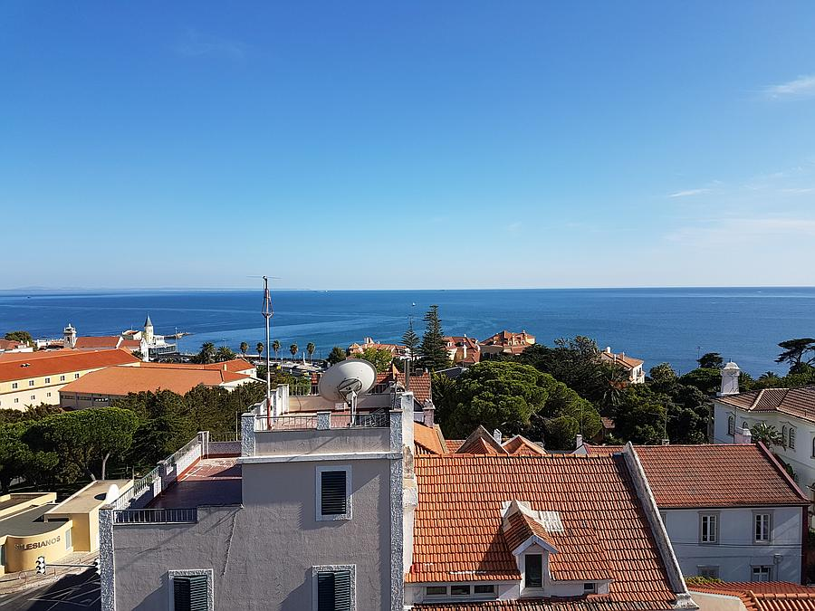 Additional photo for property listing at The apartment has excellent finishes and quality c Cascais, Portugal