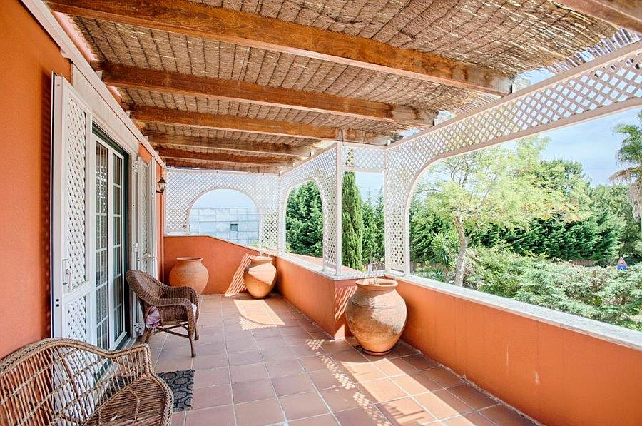 Additional photo for property listing at Excellent villa situated in the condominium of the Sintra, Portekiz