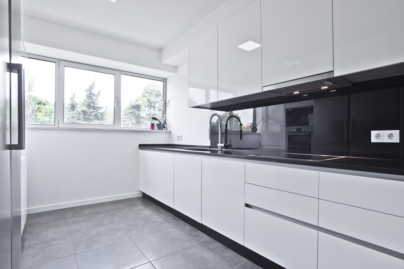 pf13975-apartamento-t4-oeiras-1d641f82-cae1-4761-9d72-6e5e27e4b3f4