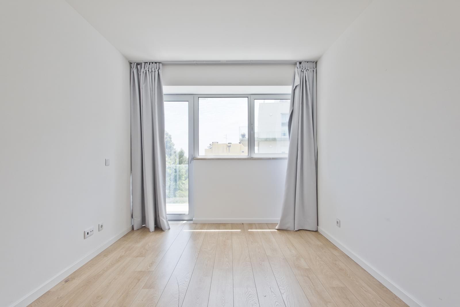 pf13975-apartamento-t4-oeiras-5d71b74a-6291-45ab-8175-416e08212f12