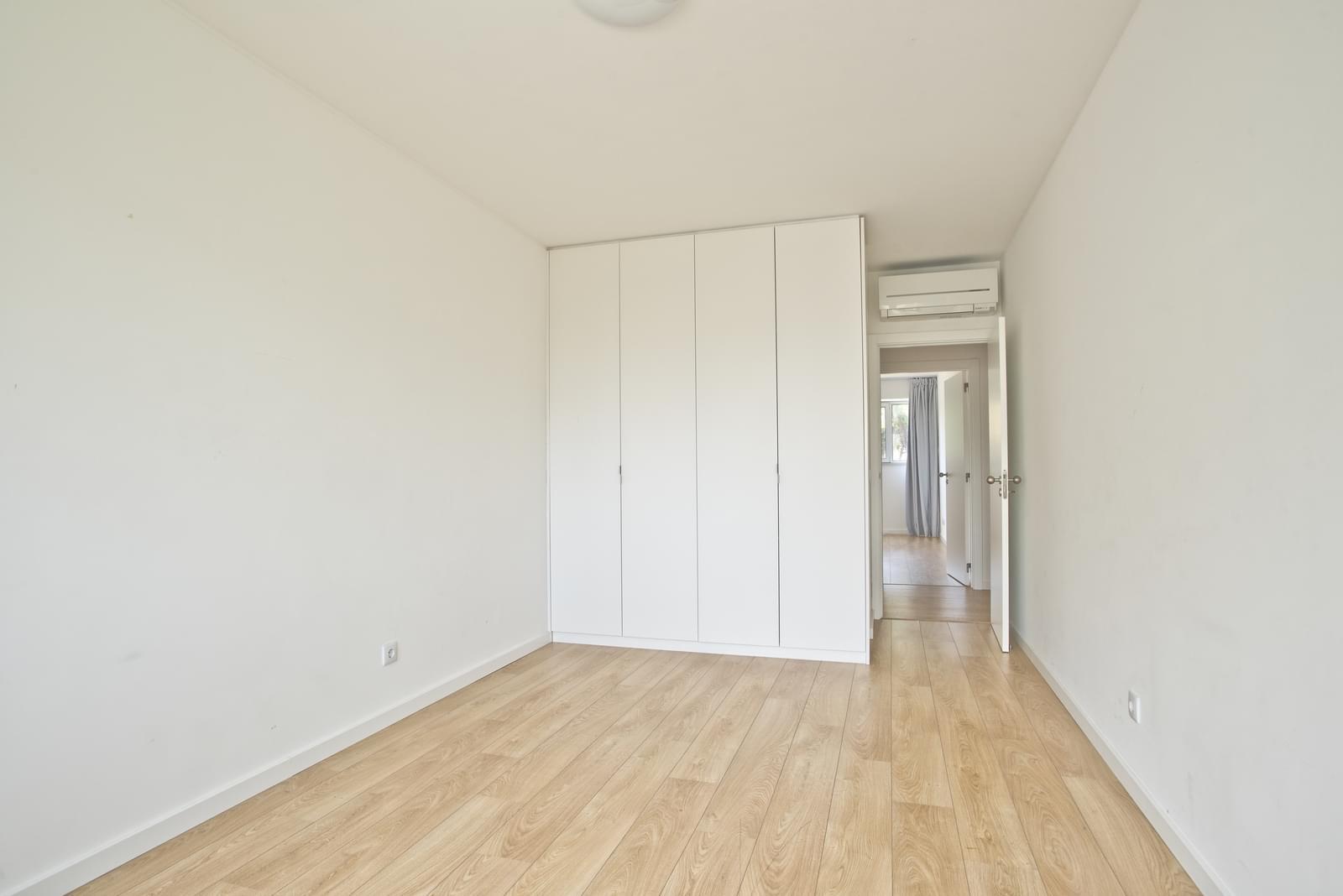pf13975-apartamento-t4-oeiras-cb4f66de-4e45-4170-83d4-d19a34b33354