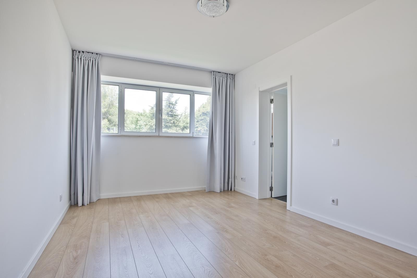 pf13975-apartamento-t4-oeiras-d310df50-121d-496b-b60e-57968388a780