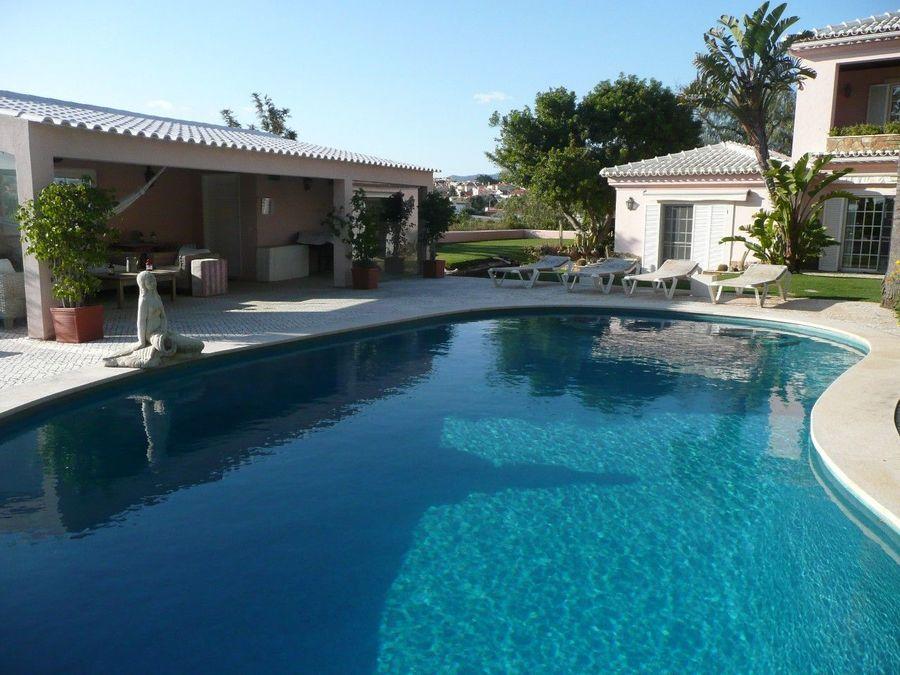 別墅 / 联排别墅 為 出售 在 Enchanting 'quinta' of 7,000 sqm in a quiet area i Cascais, 葡萄牙
