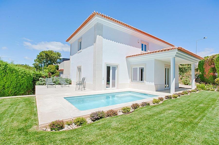 Moradia T5+1 com piscina