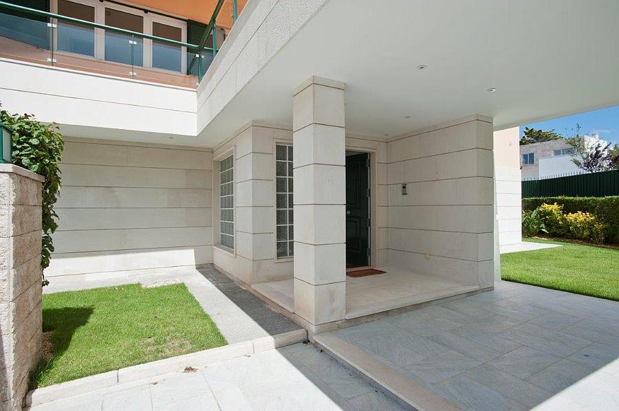 Additional photo for property listing at Completey renovated villa with a sea view in the B Cascais, 포르투갈