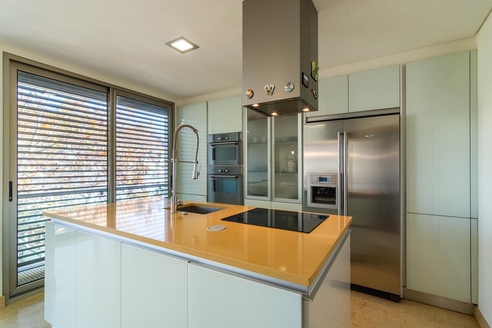 pf14588-apartamento-t5-lisboa-1403bb3a-437e-43be-a43b-bf137d2e44d7