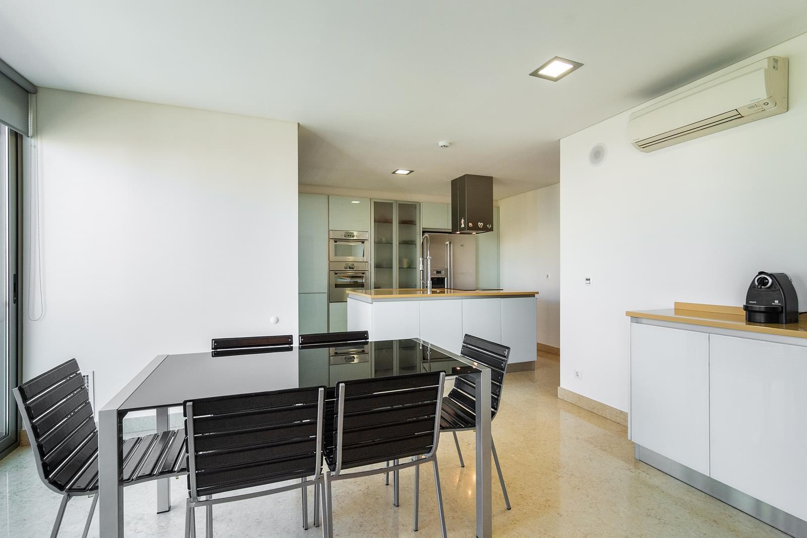 pf14588-apartamento-t5-lisboa-48cda811-de3d-4747-999d-c73bcccb28c6
