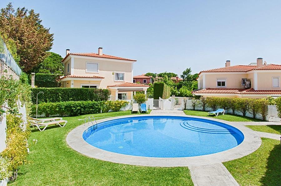Additional photo for property listing at 4+2 bedroom villa located in Bicesse in a lovely c Cascais, Portogallo