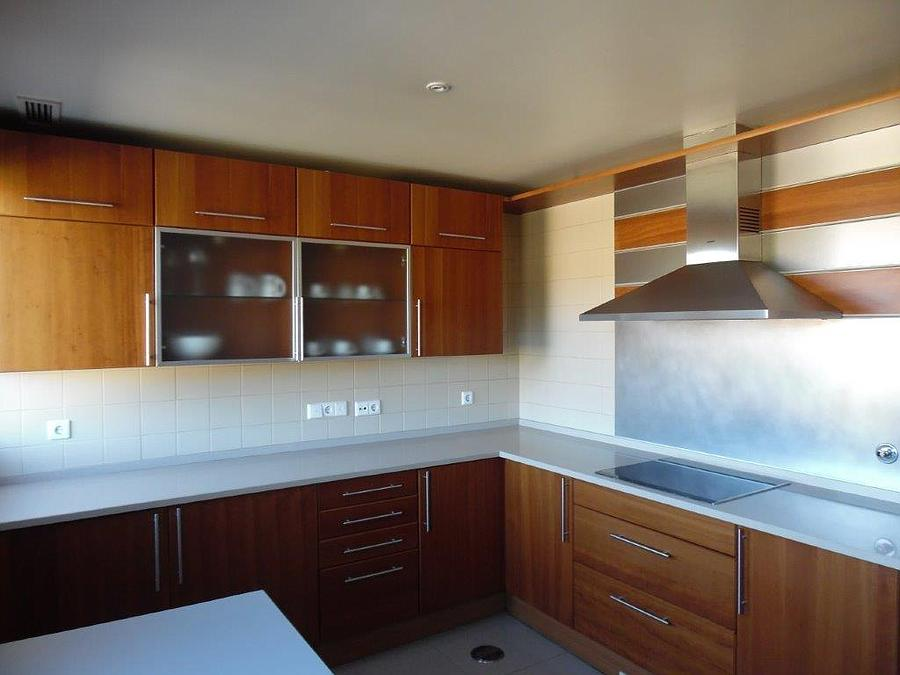 3 bedroom apartment with parking