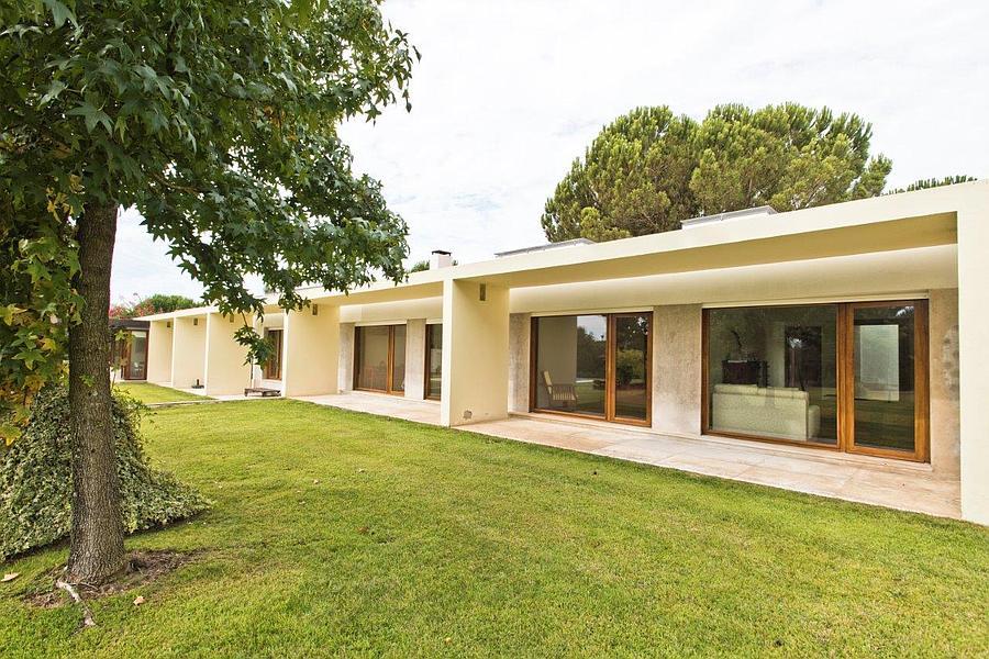 Additional photo for property listing at Quinta constituída por um conjunto residencial de Benavente, Portugal