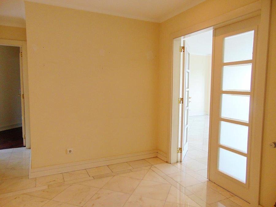 pf15077-apartamento-t4-lisboa-1