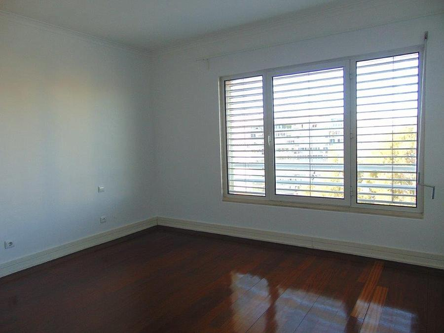 pf15077-apartamento-t4-lisboa-23