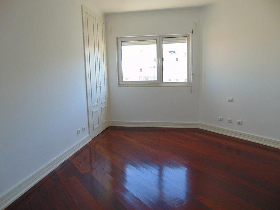 pf15077-apartamento-t4-lisboa-33