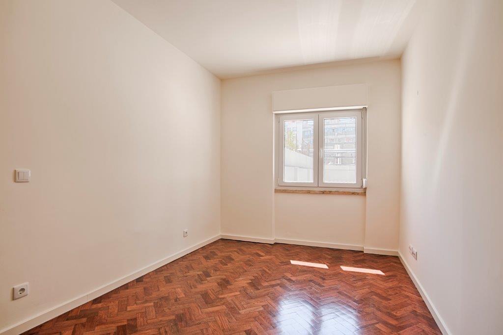 pf15590-apartamento-t3-lisboa-13