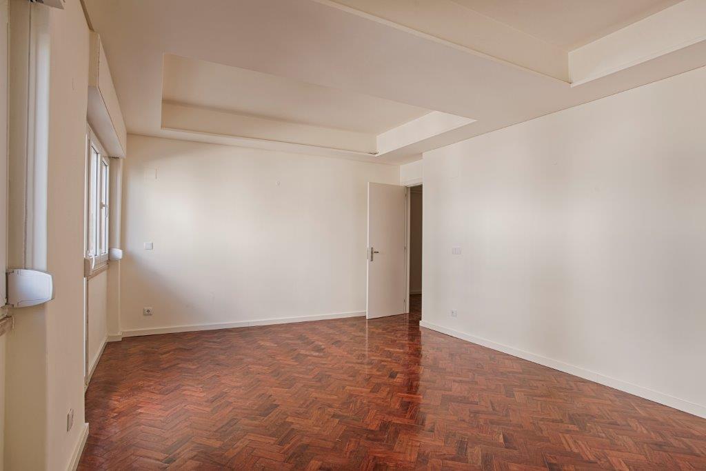 pf15590-apartamento-t3-lisboa-22