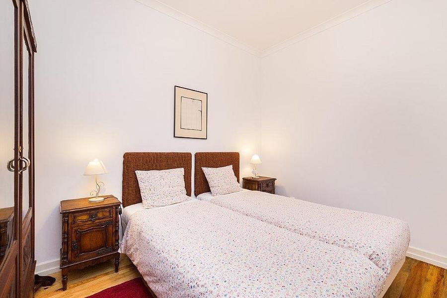 PF15604, Apartamento T2, LISBOA