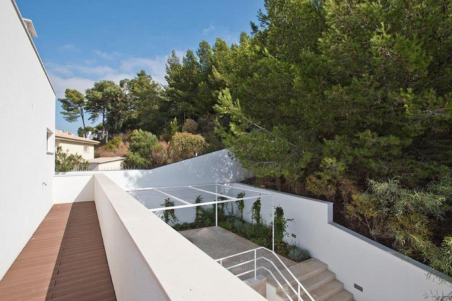 Additional photo for property listing at Excellent villa, which has been totally reconstruc Cascais, Portugal