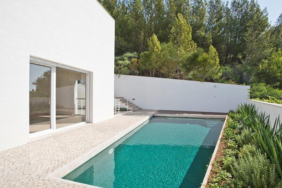 Villas / Townhouses for Sale at Excellent villa, which has been totally reconstruc Cascais, Portugal