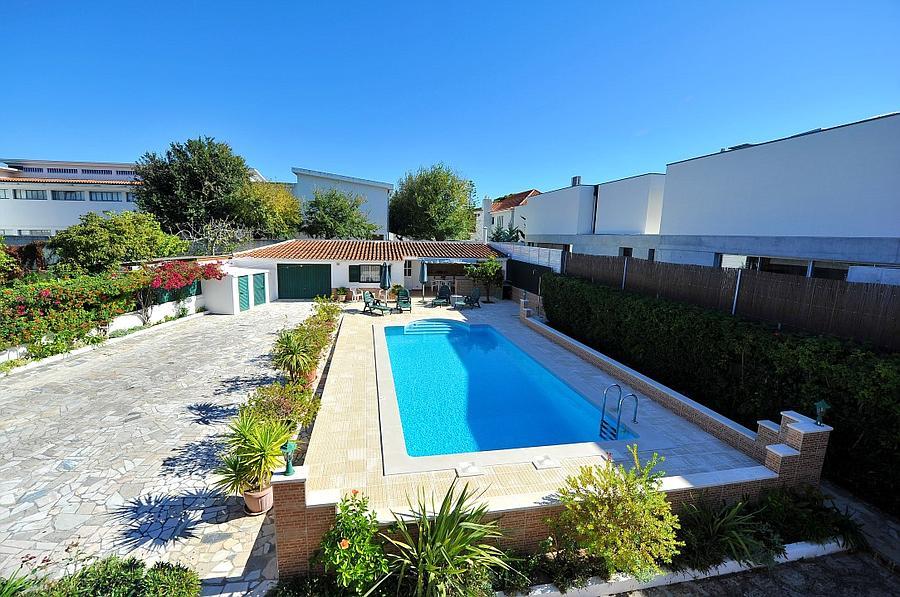 Moradia T5 com piscina
