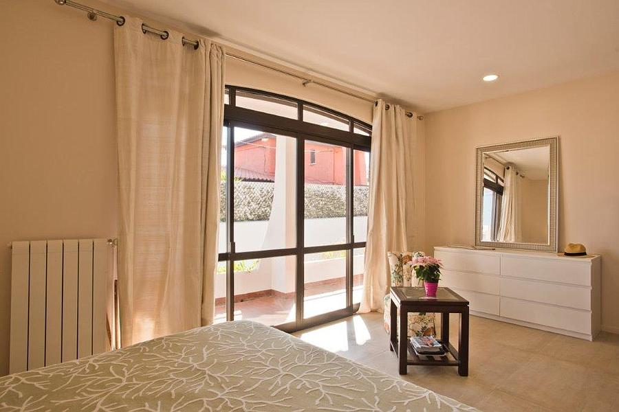 Additional photo for property listing at Inviting 3 bedroom villa which was fully refurbish Cascais, Portugal