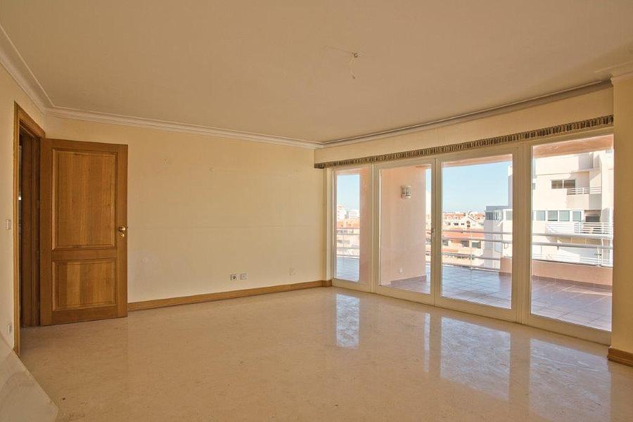 Apartamento T4+1 duplex com piscina