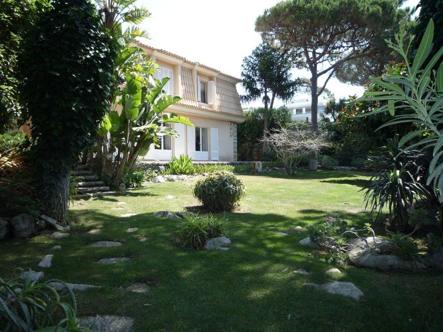 pf16296-villa-t8-cascais-5