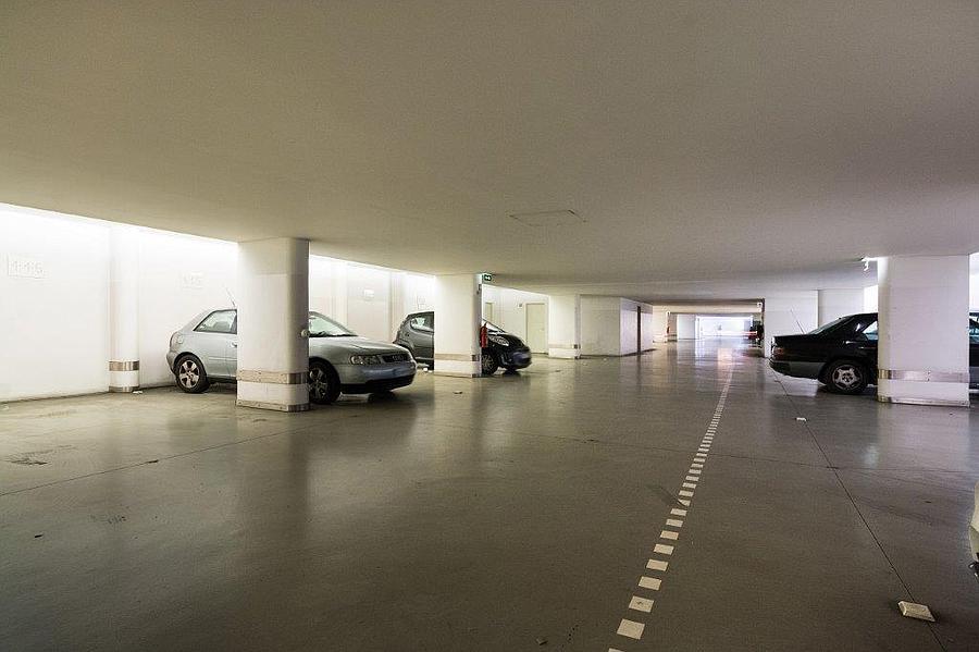 Apartamento T4 com estacionamento em condomínio fechado
