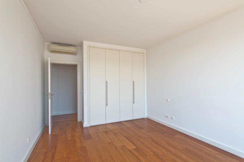 pf16543-apartamento-t3-oeiras-14