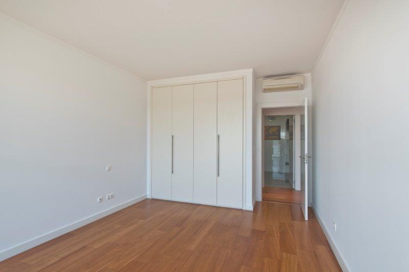 pf16543-apartamento-t3-oeiras-17