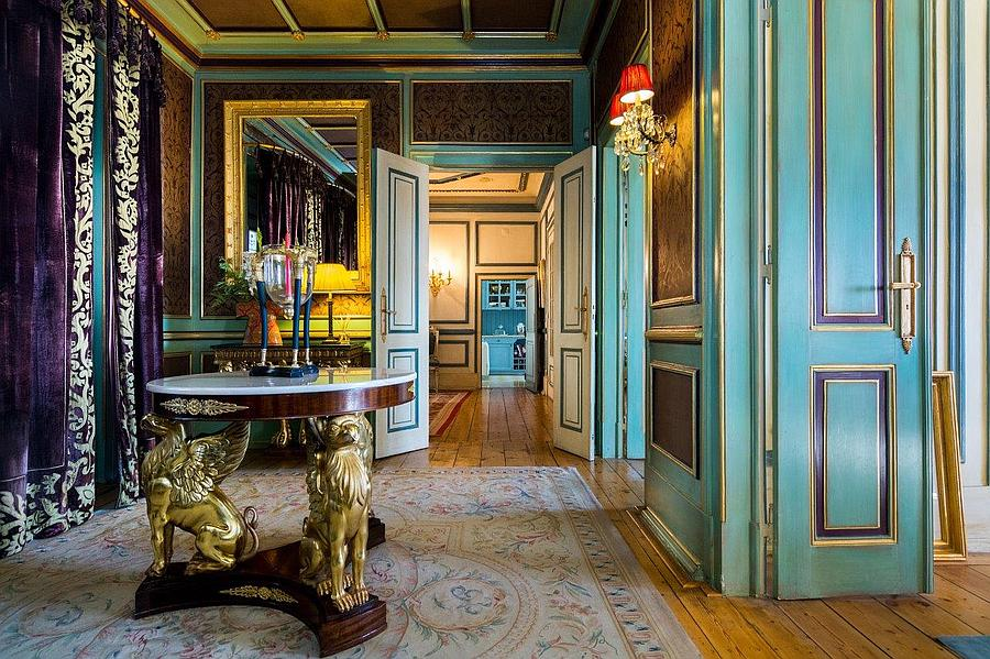 Villas / Townhouses for Sale at Magnificent house built in the 1920s and renovated Lisboa, Portugal