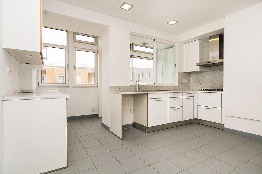 pf16607-apartamento-t4-2-lisboa-12