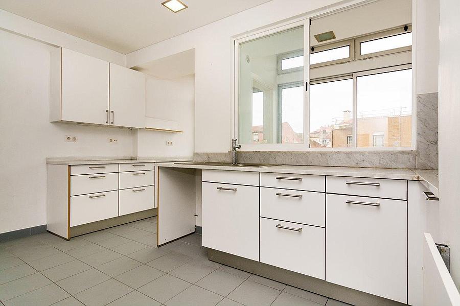 pf16607-apartamento-t4-2-lisboa-14