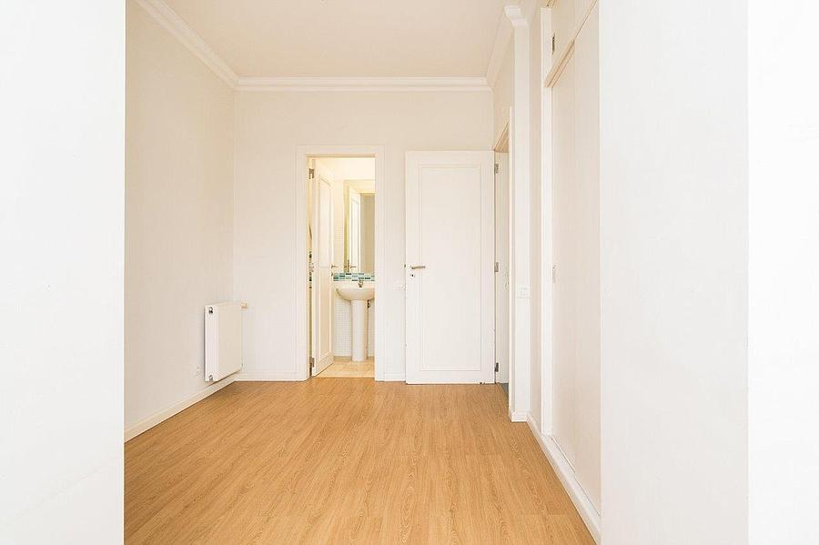 pf16607-apartamento-t4-2-lisboa-16