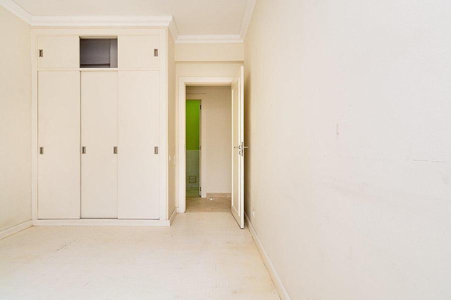 pf16607-apartamento-t4-2-lisboa-25