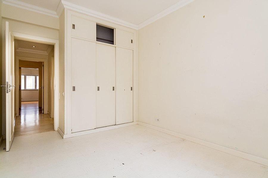 pf16607-apartamento-t4-2-lisboa-26