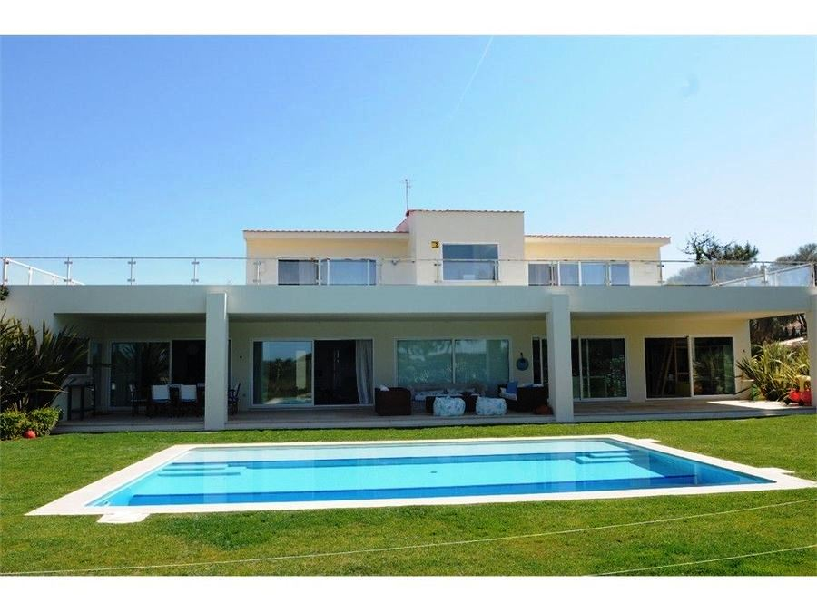 Fantastic 5 + 2 bedroom villa of modern design, wi Cascais, Portugal