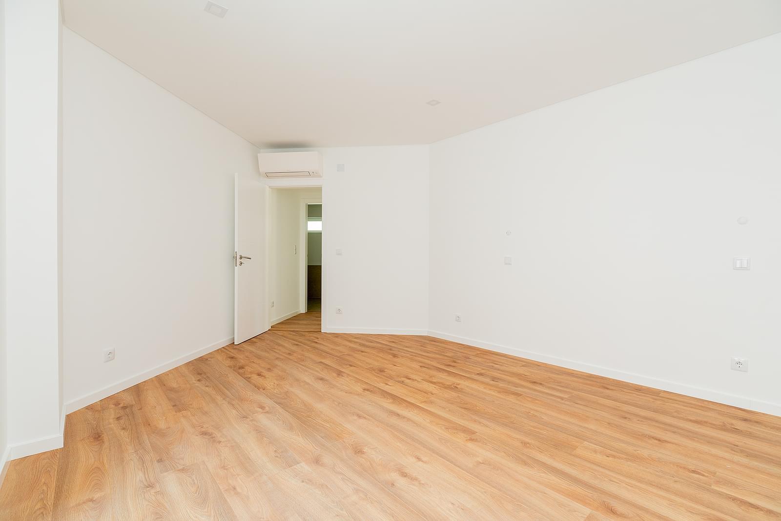 pf16829-apartamento-t1-lisboa-a5f96adb-2d77-4df4-b8f6-a06a5b6eb01a