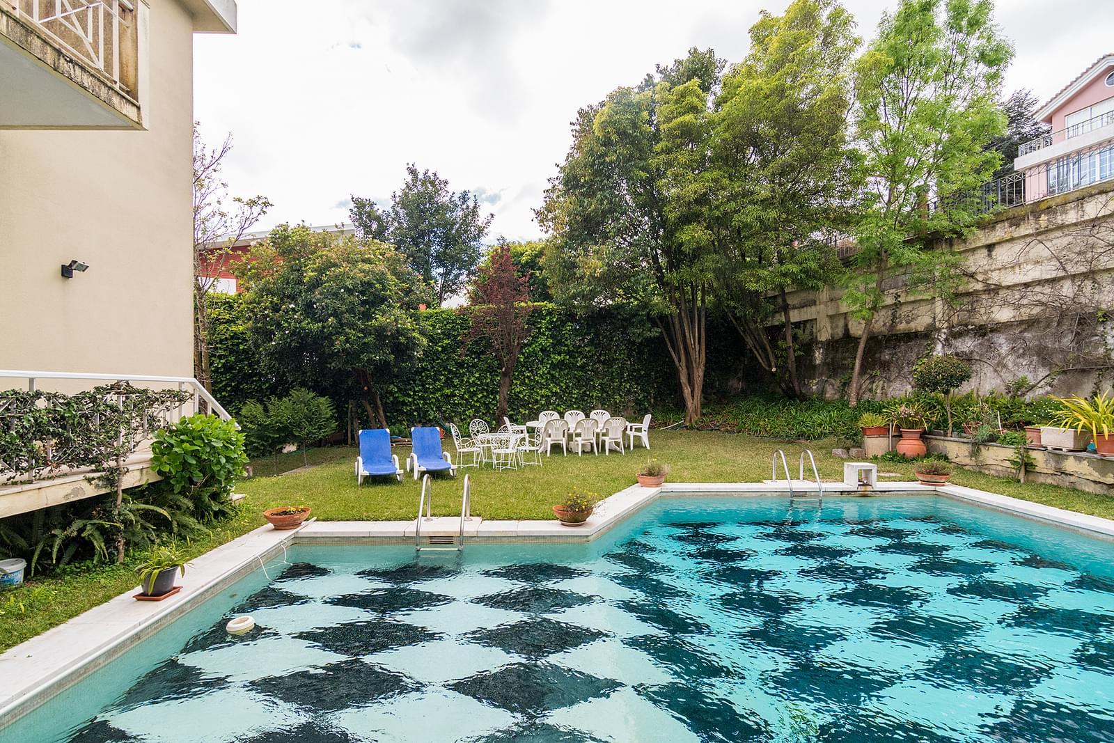 Moradia T6+2 com piscina