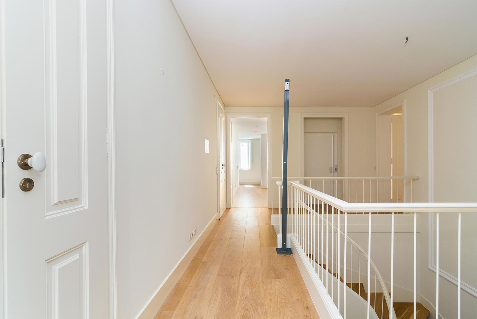 pf16887-apartamento-t5-lisboa-12803ea9-e33d-41c3-9e94-a599ac74b3e7