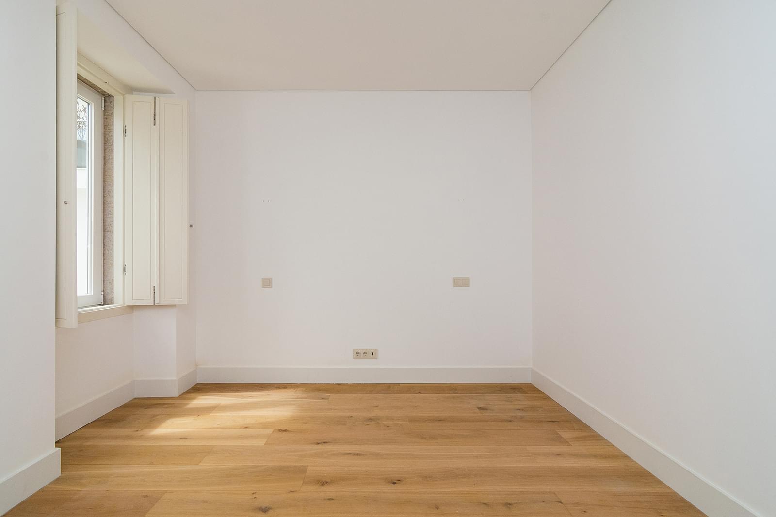 pf16887-apartamento-t5-lisboa-57e4786e-c14f-4b35-88f1-1bc79d656f72